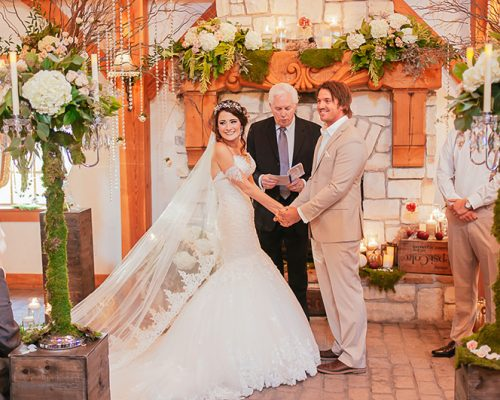 Bellamere Winery London Ontario Wedding Venue Fairy Tale Wedding Rustic Barn