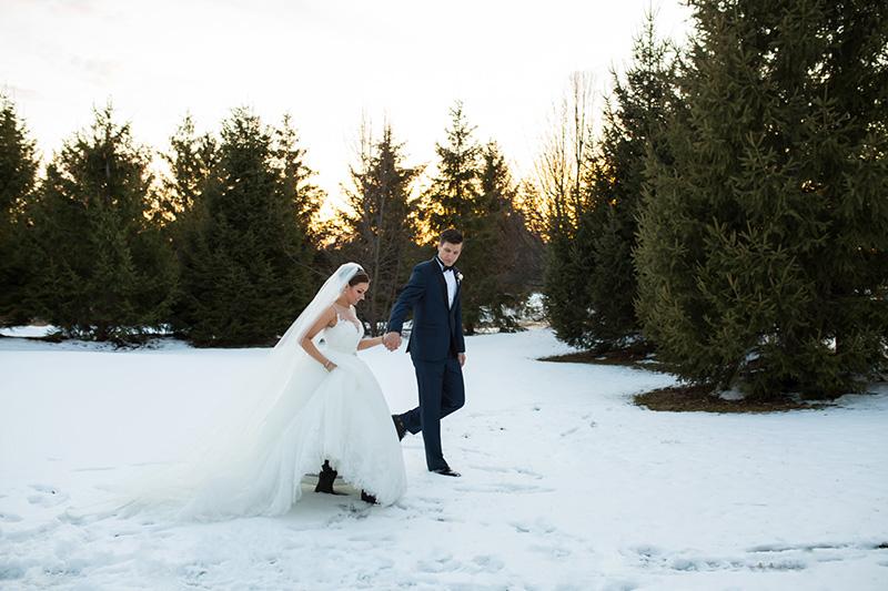 Bellamere Winery London Ontario Wedding Venue Winter Snow Rustic Wedding Venue Romantic